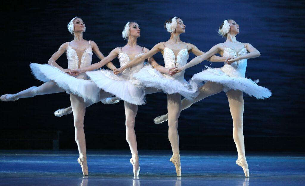 balet_LEBEDYNE_OZERO_new_decoration_(KRAWS-Х)_1028