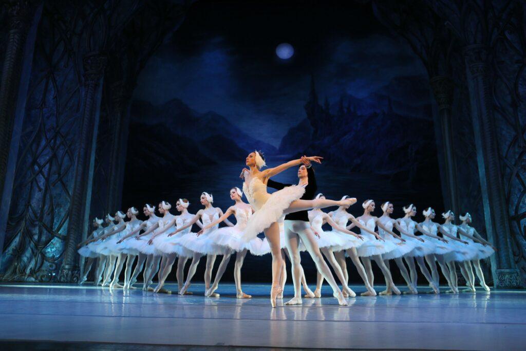 balet_LEBEDYNE_OZERO_new_decoration_POST_(KRAWS-Х)_3437