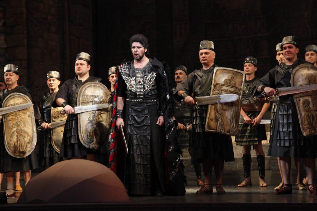 Nabucco 305