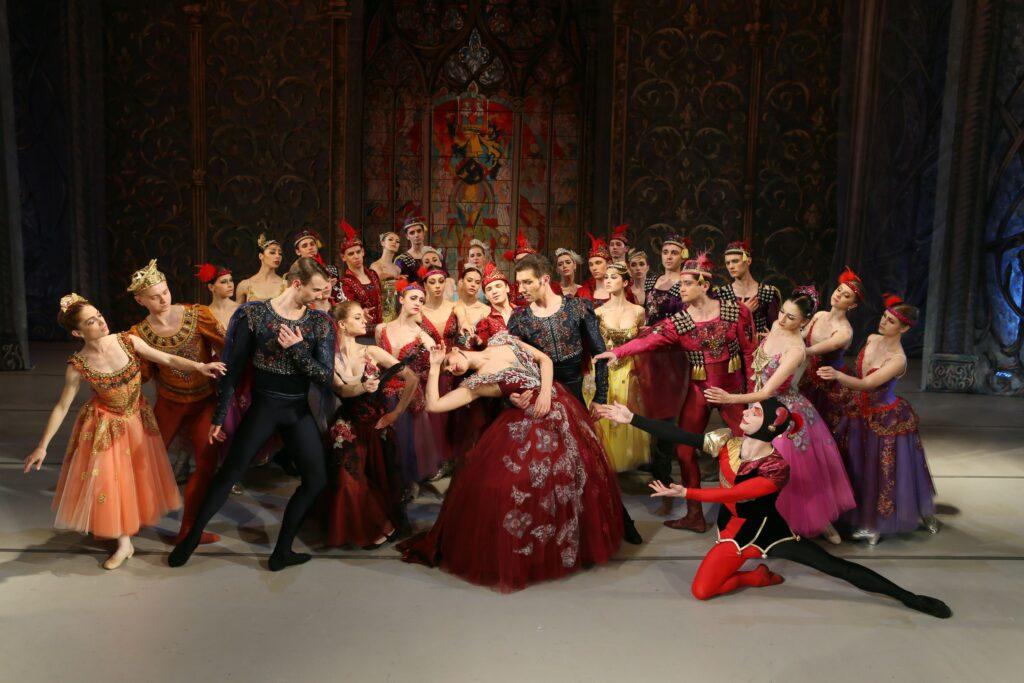 balet_LEBEDYNE_OZERO_new_decoration_POST_(KRAWS-Х)_3516